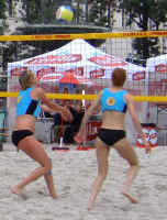 volley1.jpg (62986 Byte)